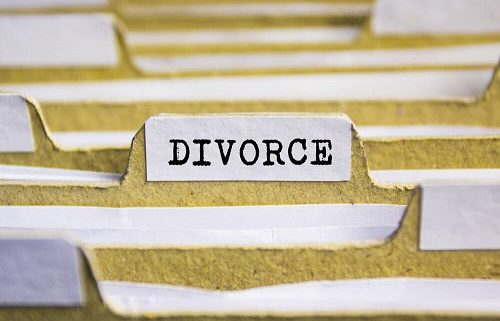 "7 Strange Divorce Laws Still ""On The Books"""